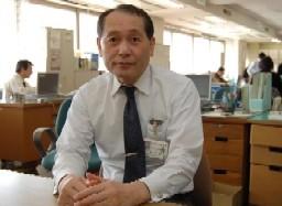 写真:有害情報対策検討会を立ち上げ、県内関係者の知見を集めた鈴木主幹